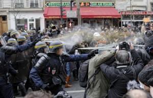 Paris_Republique_QUI-est-violent_29novemvre2015