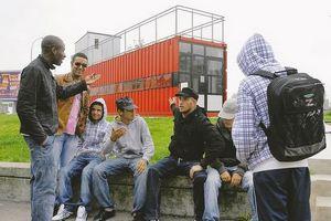 http://www.palestine-solidarite.org/jeunes_banlieue.jpg